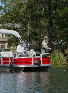 Boating and fishing at Hampton Lake
